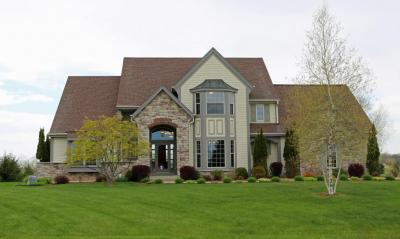 Photo of 1175 Aspen Ct, Grafton, WI 53024