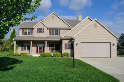Photo of 8207 S 77th St, Franklin, WI 53132