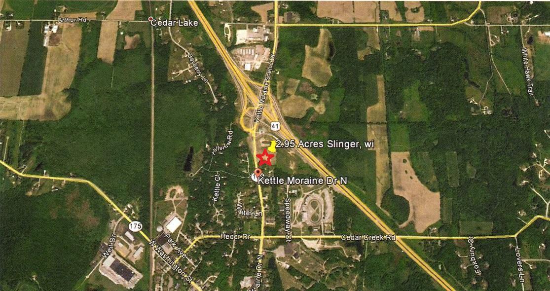 432 N Kettle Moraine Dr, Slinger, WI 53086