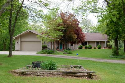 Photo of 3363 Lakeview Rd, Richfield, WI 53017