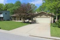 3215 S Manor Dr, New Berlin, WI 53151