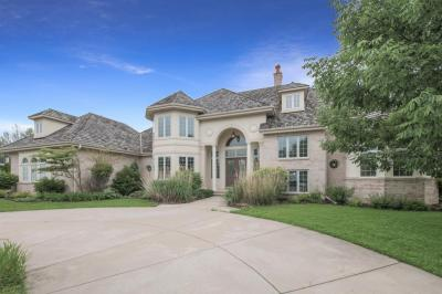 Photo of 10710 N Wood Crest Dr, Mequon, WI 53092