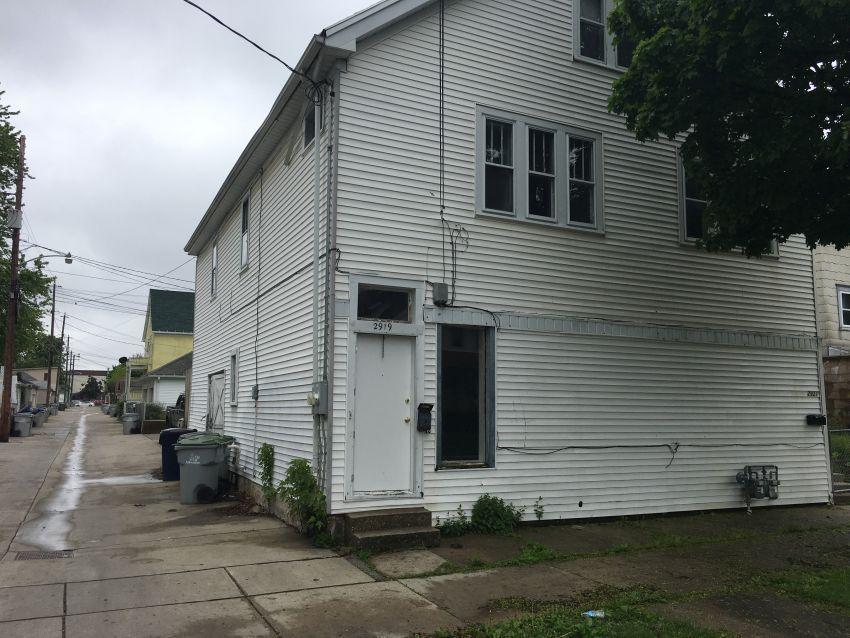 2919 W Rogers St #2921, Milwaukee, WI 53215