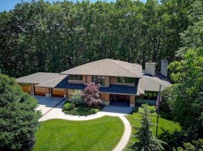 Photo of 14950 Del Prado Ct, Elm Grove, WI 53122