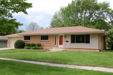 6528 Manchester Dr, Greendale, WI 53129