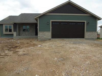 Photo of 565 Mary Way, Slinger, WI 53086