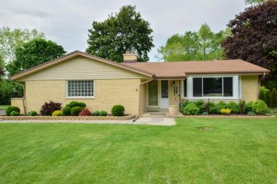 Photo of 5270 W Glenbrook Rd, Brown Deer, WI 53223