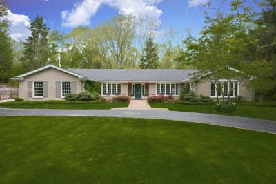 Photo of 1750 E Dean Rd, Fox Point, WI 53217