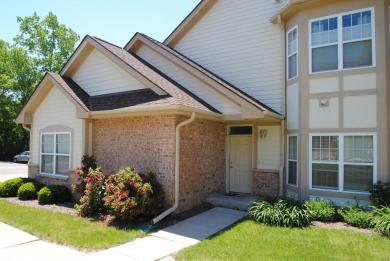 14874 W Hickory Hills Dr., New Berlin, WI 53151