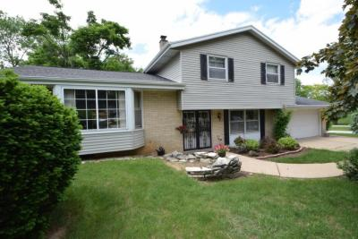 Photo of 16125 W Yuma Ct, New Berlin, WI 53151