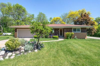 Photo of 2610 W Green Tree Rd, Glendale, WI 53209