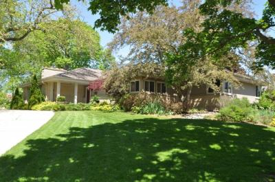 Photo of 6707 N Santa Monica Blvd, Fox Point, WI 53217