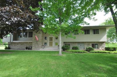 Photo of 2970 Maple Ter, Richfield, WI 53022