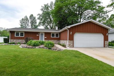 Photo of 6311 Manchester Dr, Greendale, WI 53129
