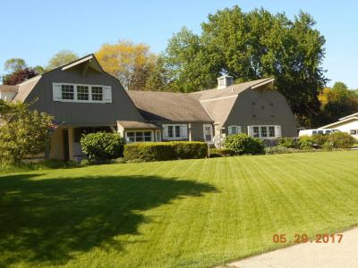 Photo of 2241 W Kenboern, Glendale, WI 53209