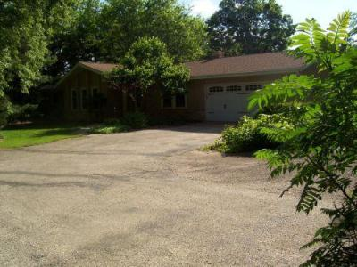Photo of W370S10677 Shearer Rd, Eagle, WI 53119
