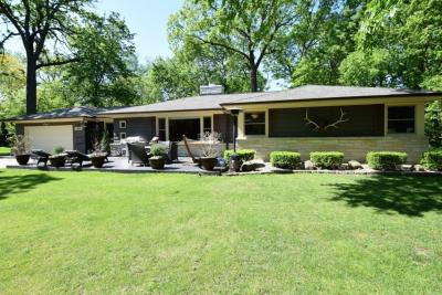 Photo of 11511 Haleco Ln, Hales Corners, WI 53130