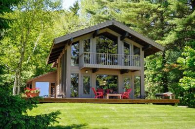 Photo of 4820 Lower Forest Beach Rd, Port Washington, WI 53074