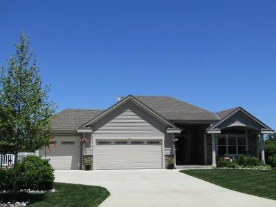 Photo of 1080 E Prairie View Dr, Oak Creek, WI 53154