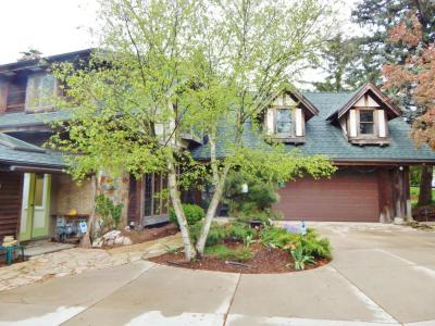 Photo of 6021 N Park Rd, Glendale, WI 53217