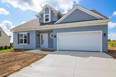 Photo of 1603 Whitewater Dr, West Bend, WI 53095