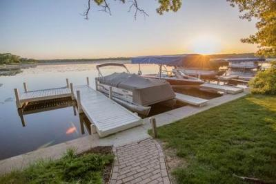 Photo of S107W34886 S Shore Dr, Mukwonago, WI 53149