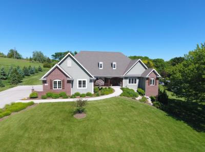 Photo of W250N8698 Watersedge Dr, Lisbon, WI 53089