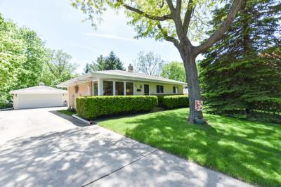 Photo of 7427 Devonshire Ave, Greendale, WI 53129