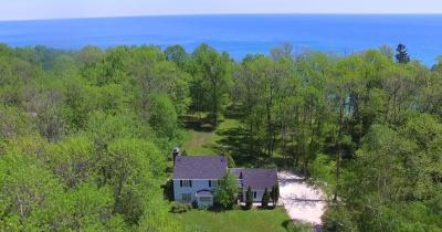 Photo of 13418 N Lakewood Dr, Mequon, WI 53097