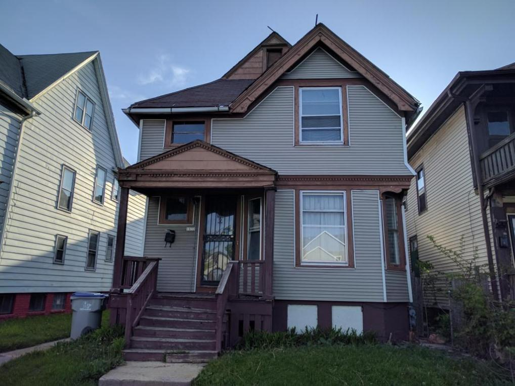 1833 N 17th St, Milwaukee, WI 53205