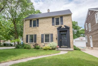 Photo of 5001 N Woodruff Ave, Whitefish Bay, WI 53217