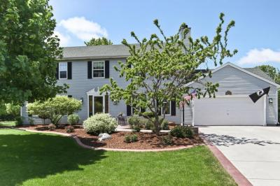 Photo of W164N10237 Clover Hill Ln, Germantown, WI 53022