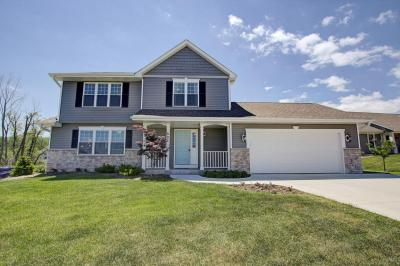 Photo of 503 Emerald Hills Dr, Fredonia, WI 53021