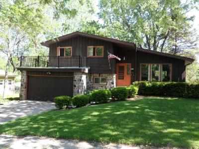 Photo of 5476 Olympia Dr, Greendale, WI 53129