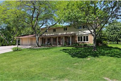 Photo of 704 Oak Tree Rd, Sheboygan, WI 53083