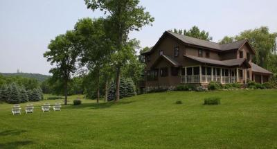 Photo of 5702 Shamrock Ln, Erin, WI 53033