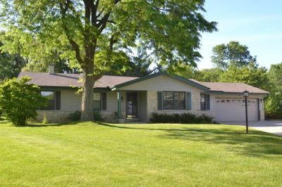 Photo of 4062 S 106th St, Greenfield, WI 53228