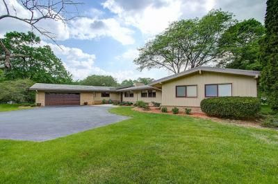 Photo of 250 W Bergen Ct, Fox Point, WI 53217