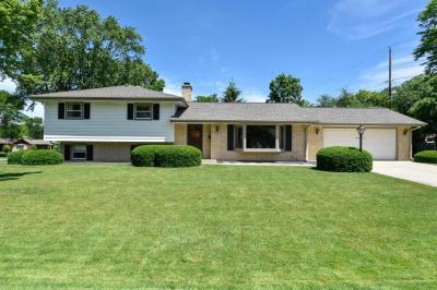 Photo of 500 Grand Ave, Thiensville, WI 53092