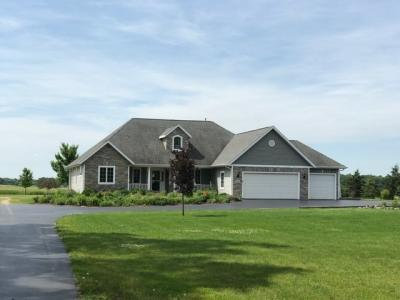 Photo of 191 County Road D, Dousman, WI 53118