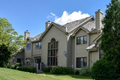 8515 S Country Club Dr, Franklin, WI 53132