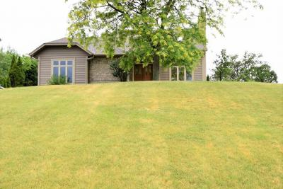 Photo of 501 Clover Ln, Eagle, WI 53119