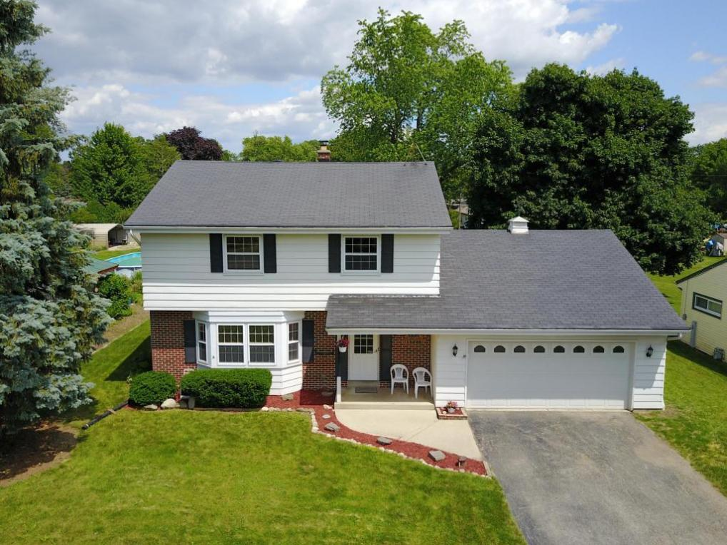 W171S7210 Lannon Dr, Muskego, WI 53150