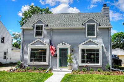 Photo of 2431 N 90th St, Wauwatosa, WI 53226
