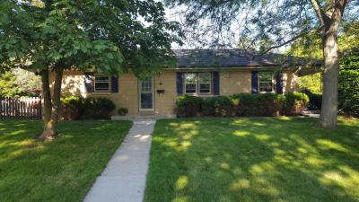 Photo of 300 Riverview Dr., Thiensville, WI 53092
