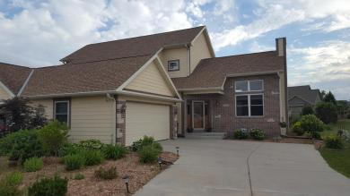 8977 S Cordgrass Cir W, Franklin, WI 53132