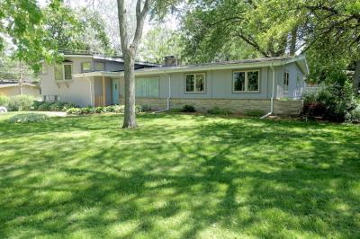 Photo of 11401 Arrowhead Trl, Hales Corners, WI 53130