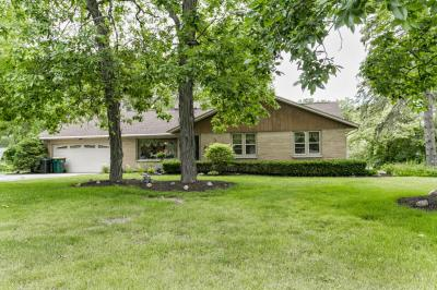 Photo of 5511 S 113th St, Hales Corners, WI 53130