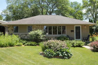Photo of 6264 N Lydell Ave, Whitefish Bay, WI 53217