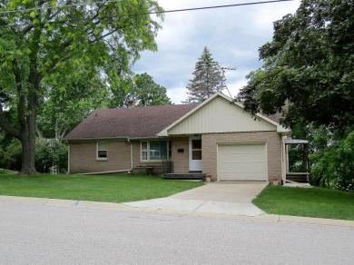 1014 Richards Ave, Watertown, WI 53094